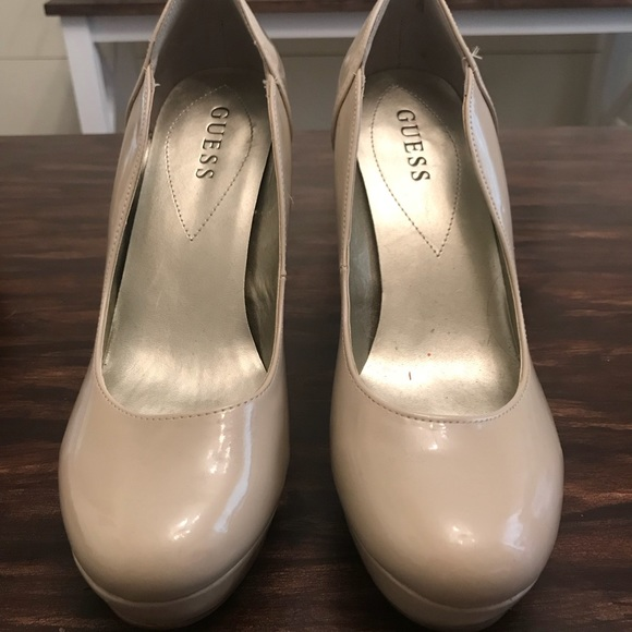 8f2f32a4fa4 Guess Shoes - Nude Patent leather Guess pumps
